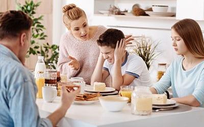 Cele 4 tipuri de copii: răzvrătiți, obedienți, îndreptățiți și echilibrați. Ce le spui azi, vor deveni mâine