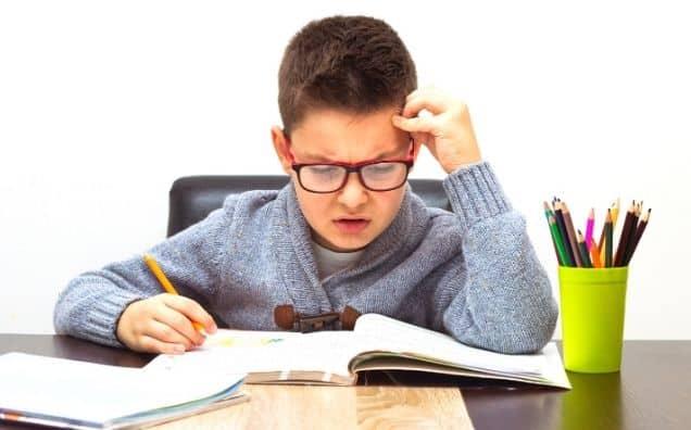 """5 Tehnici ca să ai un copil silitor la școală, fără să mai întrebi de 100 de ori """"Ți-ai făcut Temele?!"""""""